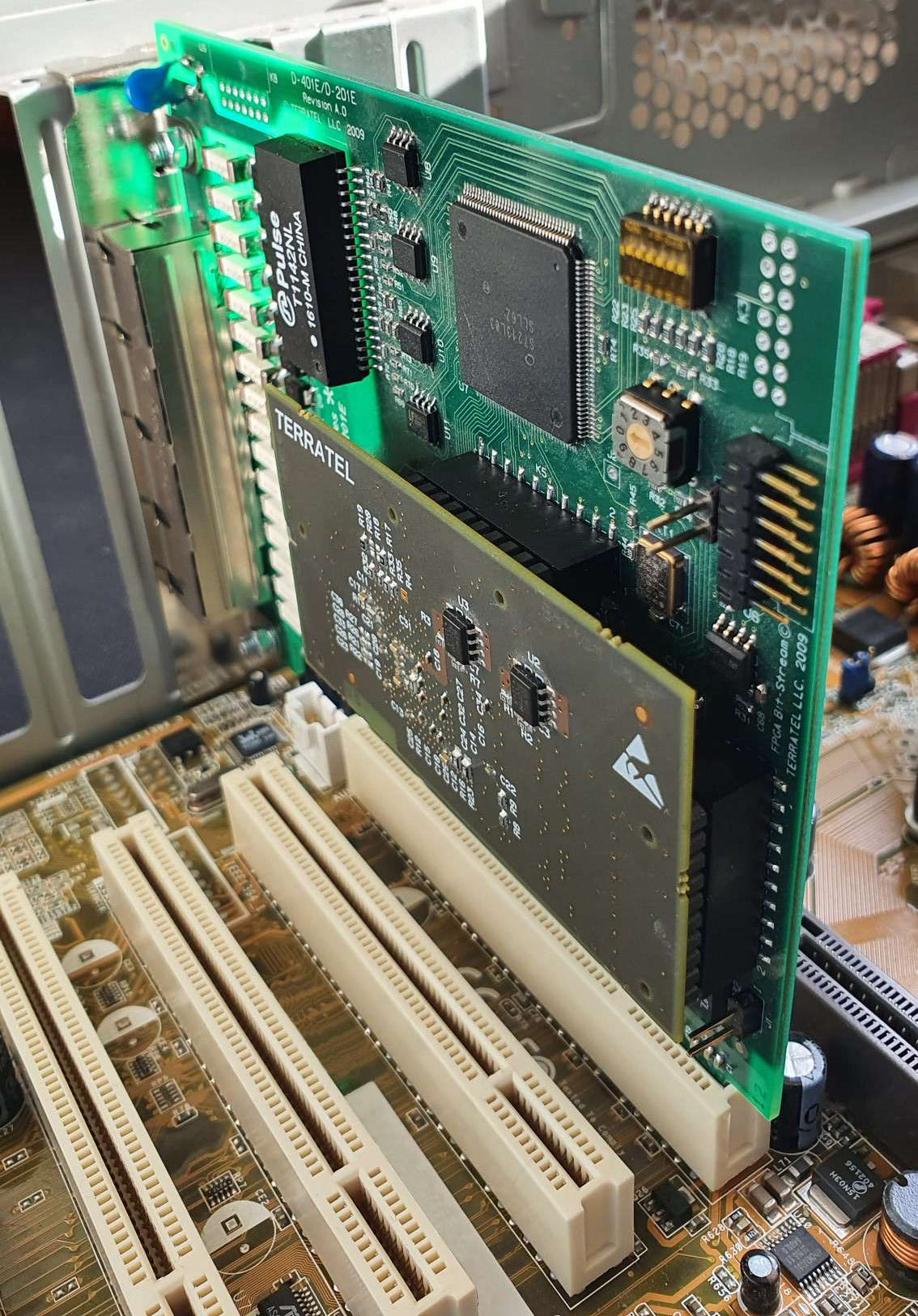 Digital Telephony Board 4E1 in Asterisk PCI server slot